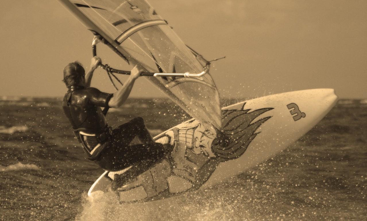 Co może nam zaproponować szkoła windsurfingu?