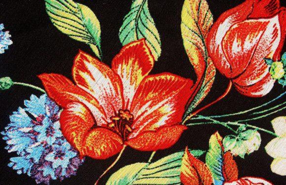 Nowości odzieżowe na wiosnę – co warto mieć?